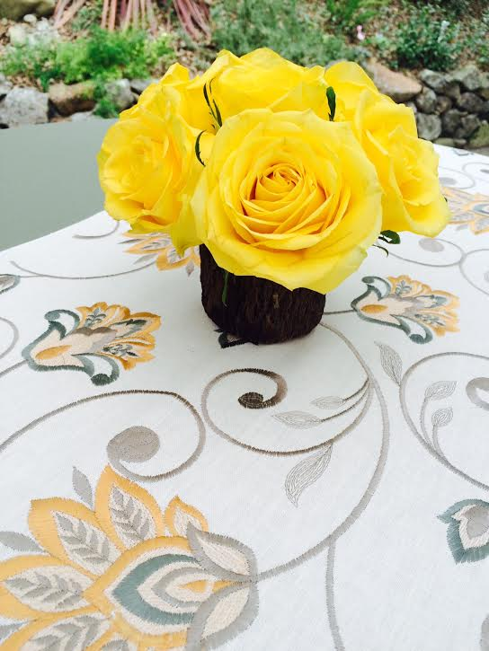 Florals from Delford West Flowers, linens from Pleasanton Rentals